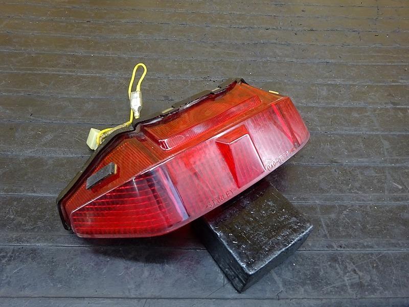 【200303】VTZ250(MC15-1060)■ テールランプ ブレーキランプ 【VT250F | 中古バイクパーツ通販・買取 ジャンクヤード鳥取 JunkYard