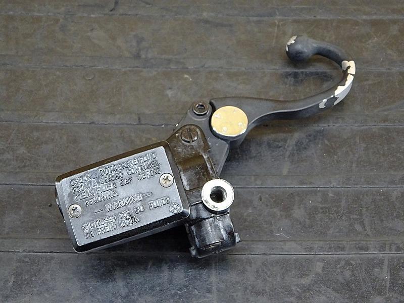 【200512】ZRX-Ⅱ(ZR400E-325)◇ フロントブレーキマスターシリンダー Φ5/8 【ZRX400 後期 | 中古バイクパーツ通販・買取 ジャンクヤード鳥取 JunkYard