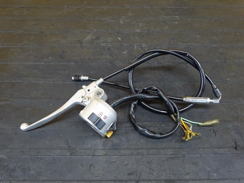 【200522】DAX70(ST70-6012)■ ハンドルスイッチ左 スイッチボックス クラッチレバー 【ダックス50 DAX50 ダックス | 中古バイクパーツ通販・買取 ジャンクヤード鳥取 JunkYard
