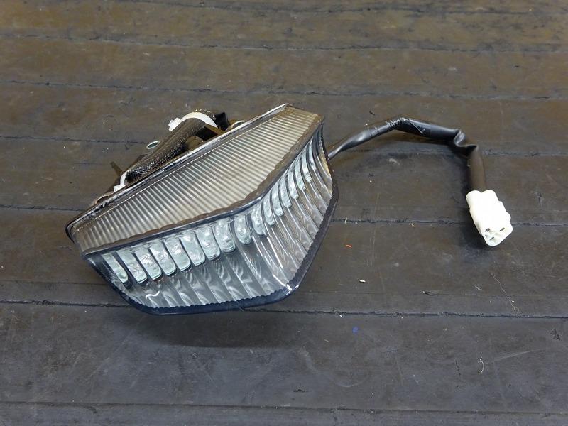 【200803】XJR1300C '15◇ テールランプ ブレーキランプ | 中古バイクパーツ通販・買取 ジャンクヤード鳥取 JunkYard