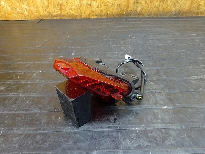 【181012.Y】YZF-R25(RG10J-007)● テールランプ ブレーキランプ | 中古バイクパーツ通販・買取 ジャンクヤード鳥取 JunkYard