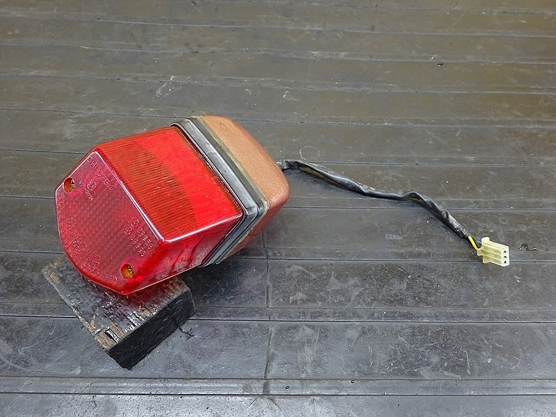 【190428.Y】SRV250(4DN-003)● テールランプ ナンバー灯 難有 | 中古バイクパーツ通販・買取 ジャンクヤード鳥取 JunkYard