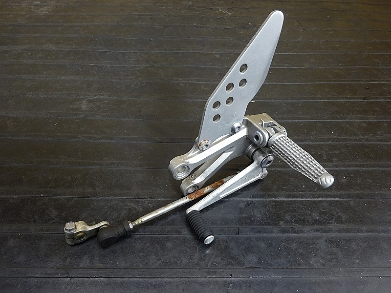 【190501.K】ZX-10R'04-05● ステップ左 シフトペダル ステッププレート 【C型 ZX1000C ニンジャ   中古バイクパーツ通販・買取 ジャンクヤード鳥取 JunkYard