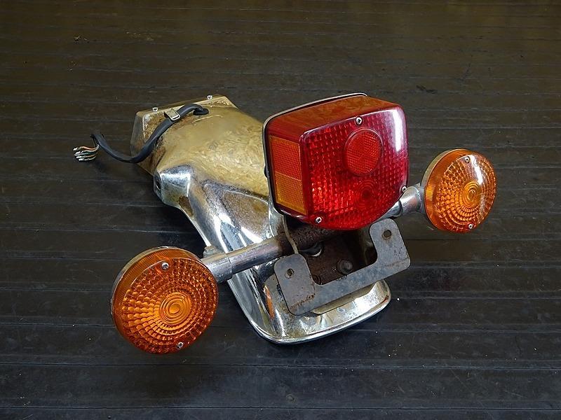 【200214】GL500カスタム(GL500-1005)■ リアフェンダー ブレーキランプ ウインカー左右セット 【検:GL400 ウイング CX500 | 中古バイクパーツ通販・買取 ジャンクヤード鳥取 JunkYard