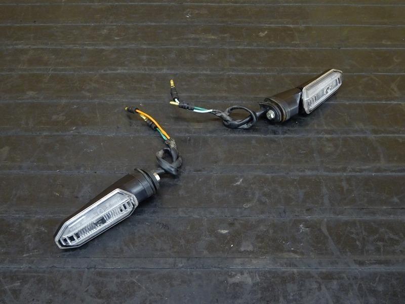 【210212】CBR250RR(MC51-1002)■ LEDリアウインカー左右セット ジャンク!? 【ABS付 | 中古バイクパーツ通販・買取 ジャンクヤード鳥取 JunkYard