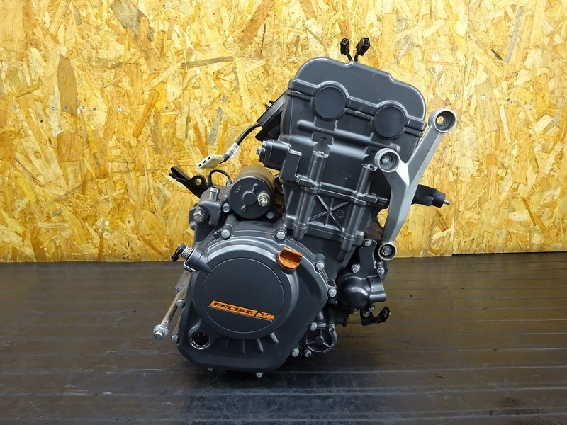 【210113】KTM 125DUKE◇ 中古エンジン クランキング確認済み ジェネレーター セルモーター ジャンク!! 【デューク 200 | 中古バイクパーツ通販・買取 ジャンクヤード鳥取 JunkYard