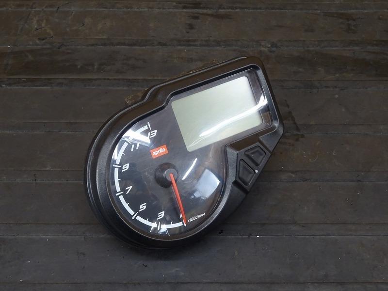 【210401】アプリリア RS4 125 '12■ スピードメーター タコメーター インジケーターランプ 14500㎞ 【aprilia   中古バイクパーツ通販・買取 ジャンクヤード鳥取 JunkYard
