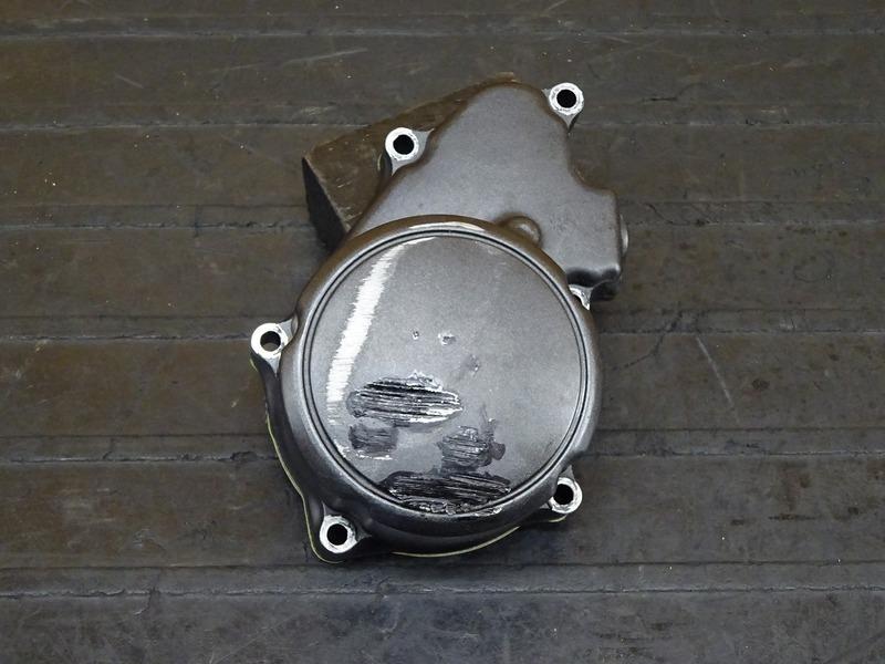 【210707】ホーネット250(MC31-1503) エンジンカバー左 ポイントカバー ジャンク!! 【エンジンパーツ MC14E 後期 | 中古バイクパーツ通販・買取 ジャンクヤード鳥取 JunkYard