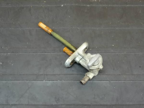 【160711】RGV250ガンマ(VJ22A)◆フューエルコック 燃料【SP Γ | 中古バイクパーツ通販・買取 ジャンクヤード鳥取 JunkYard