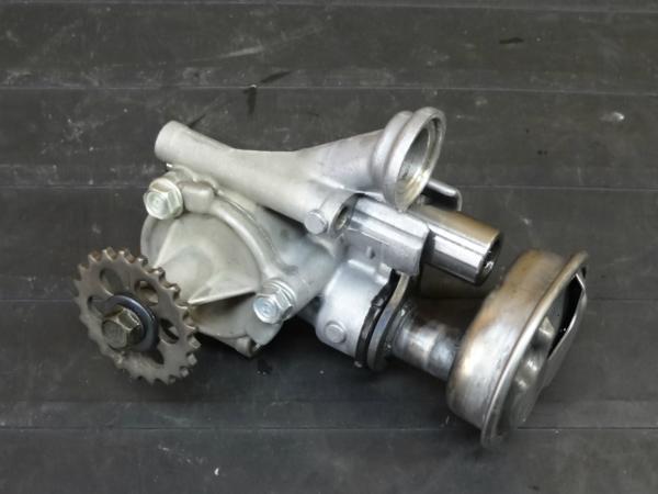【170112】VT250スパーダ(MC20)◇オイルポンプ [エンジン | 中古バイクパーツ通販・買取 ジャンクヤード鳥取 JunkYard