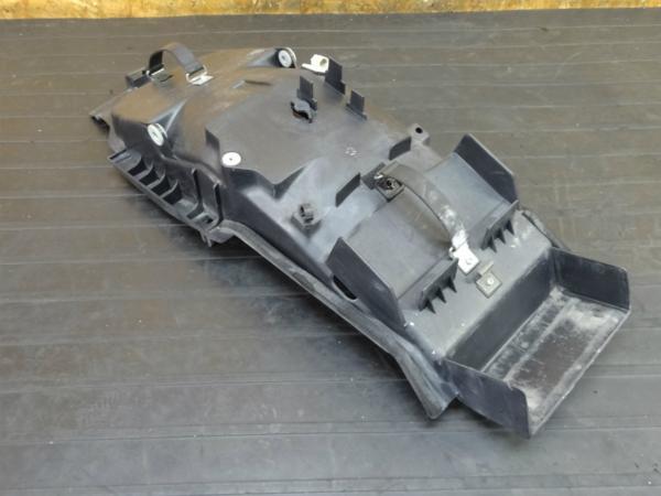 【170201】XJR400R(RH02J-002)◆リアインナー フェンダー バッテリーボックス   中古バイクパーツ通販・買取 ジャンクヤード鳥取 JunkYard