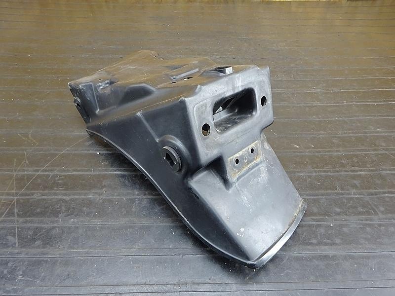 【200106】GPZ400F(ZX400A-025)■ リアフェンダー 【GPZ400 | 中古バイクパーツ通販・買取 ジャンクヤード鳥取 JunkYard