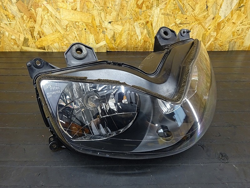 【200115】ZRX1200S(ZRT20A-020)■ ヘッドライト 【ZRX1200R | 中古バイクパーツ通販・買取 ジャンクヤード鳥取 JunkYard