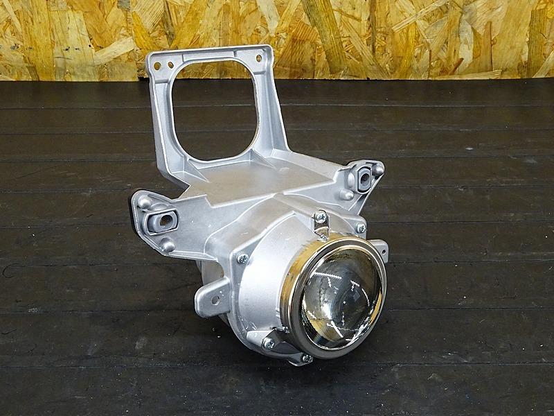 【200207】GSX1300R '11 L1■ 純正プロジェクターヘッドライト 加工用に!! 【GX72A '08- ハヤブサ 隼 | 中古バイクパーツ通販・買取 ジャンクヤード鳥取 JunkYard