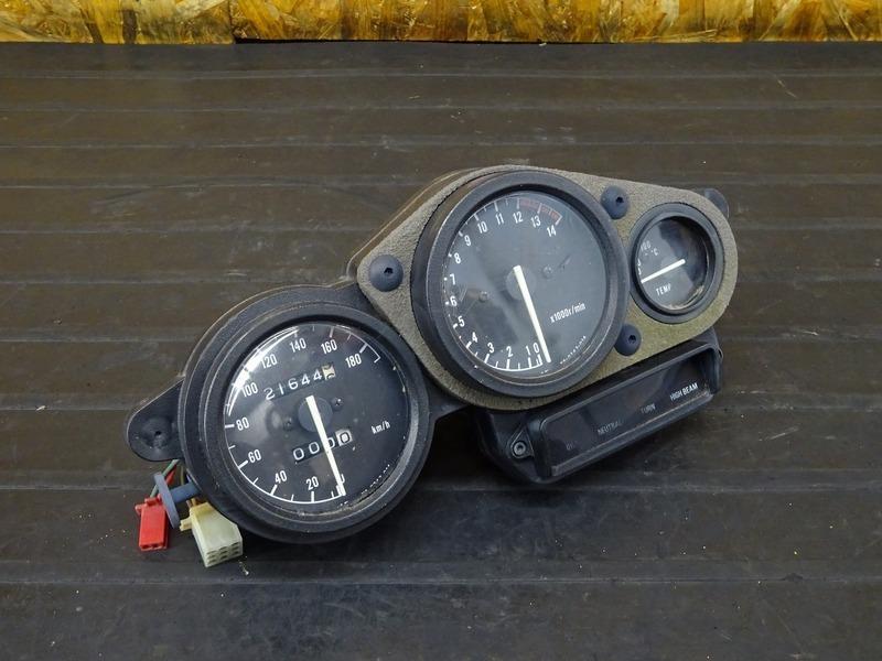 【201125】TZR250R(3XV-004)■ スピードメーター タコメーター インジケーターランプ 26144㎞ | 中古バイクパーツ通販・買取 ジャンクヤード鳥取 JunkYard