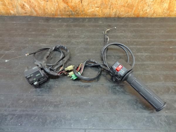 【160604】ZXR400(ZX400H)◎ハンドルスイッチ 左右 キル/セル | 中古バイクパーツ通販・買取 ジャンクヤード鳥取 JunkYard