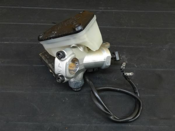 【160930】ドゥカティ 999S◇セミラジアルFブレーキマスター | 中古バイクパーツ通販・買取 ジャンクヤード鳥取 JunkYard
