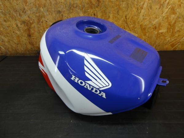 【170516】CBR900RR(SC28)◆ガソリンタンク 燃料 【逆車   中古バイクパーツ通販・買取 ジャンクヤード鳥取 JunkYard