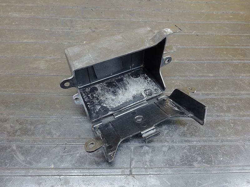 【190428.Y】SRV250(4DN-003)● バッテリーボックス | 中古バイクパーツ通販・買取 ジャンクヤード鳥取 JunkYard