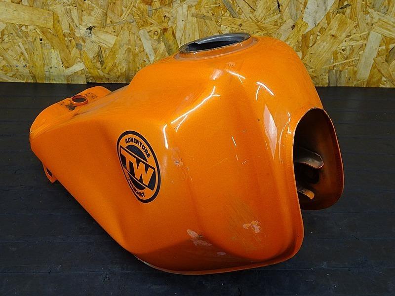 【200203】TW200E(2JL-053)■ ガソリンタンク 燃料タンク フューエルタンク | 中古バイクパーツ通販・買取 ジャンクヤード鳥取 JunkYard