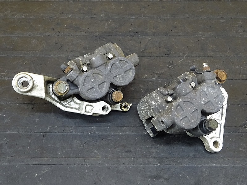 【200419】■ CBX750F フロントブレーキキャリパー左右セット バッテンキャリパー Φ32 ※検:CB750F | 中古バイクパーツ通販・買取 ジャンクヤード鳥取 JunkYard