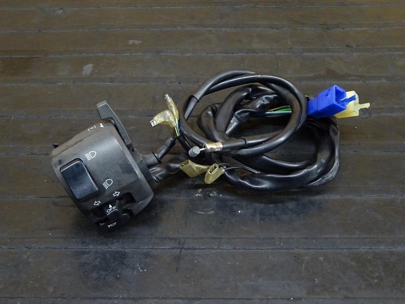 【210120】YZF-R6 '99◇ ハンドルスイッチ左 スイッチボックス左 チョークレバー 【5EB '99-'00 | 中古バイクパーツ通販・買取 ジャンクヤード鳥取 JunkYard