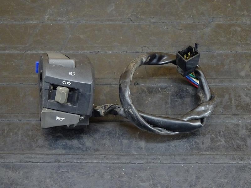 【210401】アプリリア RS4 125 '12◇ ハンドルスイッチ左 スイッチボックス左 【aprilia | 中古バイクパーツ通販・買取 ジャンクヤード鳥取 JunkYard