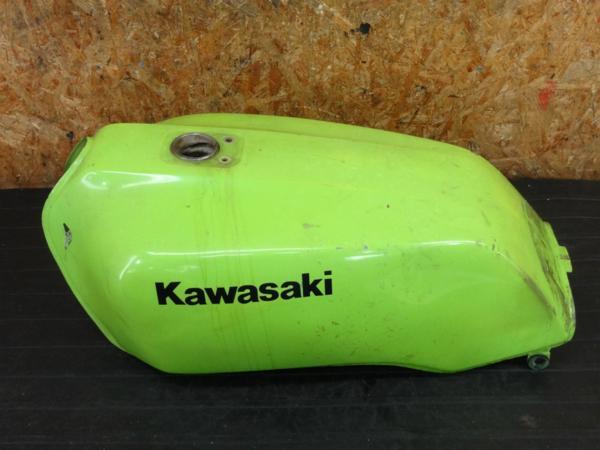 【170206】Z400GP(KZ400M-008)◇ガソリンタンク 燃料タンク フューエル 難有 | 中古バイクパーツ通販・買取 ジャンクヤード鳥取 JunkYard