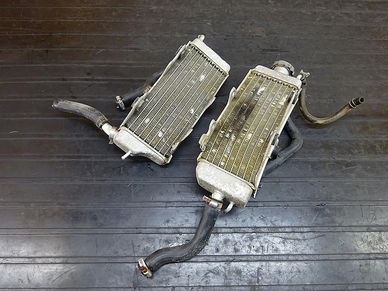 【190204.H】CRM250AR(MD32-1101)● ラジエーター左右 ジャンク | 中古バイクパーツ通販・買取 ジャンクヤード鳥取 JunkYard