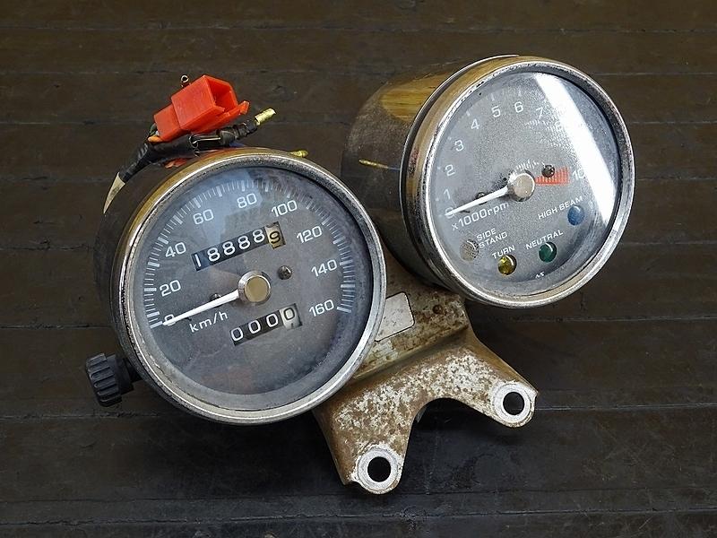 【191201】GB250クラブマン(MC10-170)■ スピードメーター インジケーターランプ メーター タコメーター 18888㎞ | 中古バイクパーツ通販・買取 ジャンクヤード鳥取 JunkYard