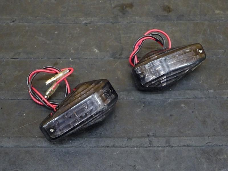 【200907】YZF-R25 ABS(RG10J-007)◇ LEDウインカー 左右セット スモーク POSH ※検:MT-25 YZF-R3 | 中古バイクパーツ通販・買取 ジャンクヤード鳥取 JunkYard