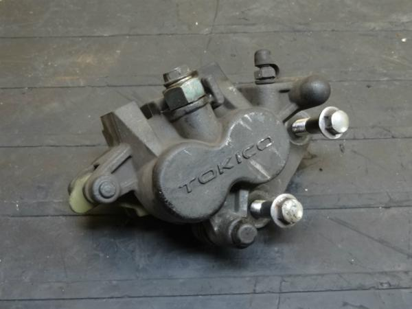 【141222】W650(EJ650A)◆フロントブレーキキャリパー 難有   中古バイクパーツ通販・買取 ジャンクヤード鳥取 JunkYard