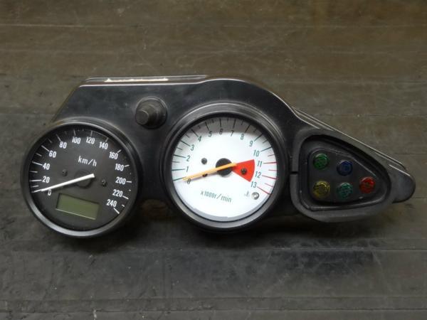 [150404]SV650S◇メーターユニット スピード240km【VP52A?VK53A?   中古バイクパーツ通販・買取 ジャンクヤード鳥取 JunkYard