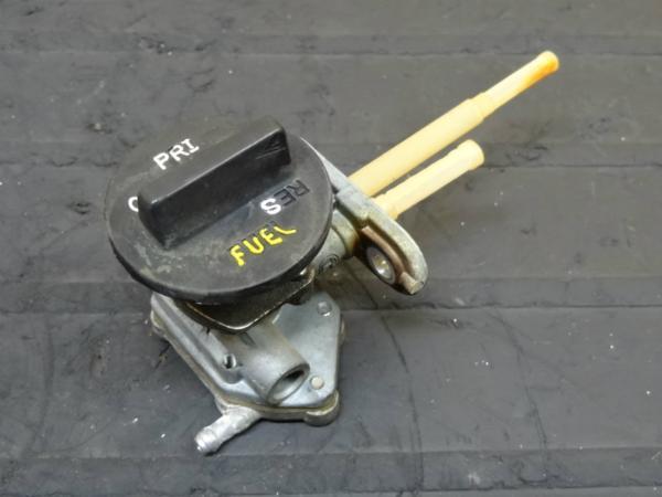 【150408】ZZR250(EX250H)◎フューエルコック ガソリン 燃料 | 中古バイクパーツ通販・買取 ジャンクヤード鳥取 JunkYard