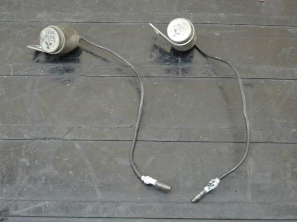 【150406】W1SA(W1F)◆コンデンサー 2個 セット | 中古バイクパーツ通販・買取 ジャンクヤード鳥取 JunkYard