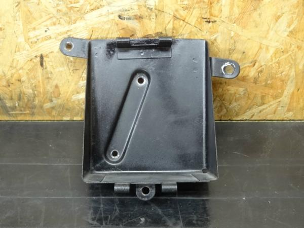 【150406】W1SA(W1F)◆バッテリーボックス サイドカバー | 中古バイクパーツ通販・買取 ジャンクヤード鳥取 JunkYard