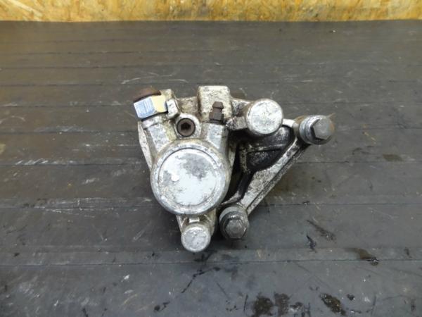 【160108】ビラーゴ250(3DM)◆フロントブレーキキャリパー【前期 | 中古バイクパーツ通販・買取 ジャンクヤード鳥取 JunkYard