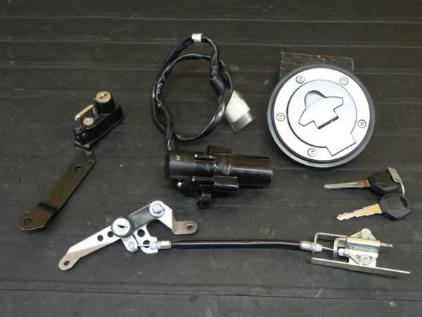 【161003】YZF-R25(RG10J)◇キーセット メインSW キャップ 鍵   中古バイクパーツ通販・買取 ジャンクヤード鳥取 JunkYard