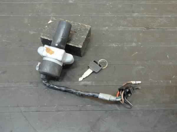 【170120】GB250クラブマン(MC10-1009)◆メインスイッチ 鍵 | 中古バイクパーツ通販・買取 ジャンクヤード鳥取 JunkYard
