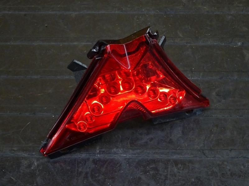 【210401】アプリリア RS4 125 '12◇ 純正LEDテールランプ ブレーキランプ 【aprilia | 中古バイクパーツ通販・買取 ジャンクヤード鳥取 JunkYard