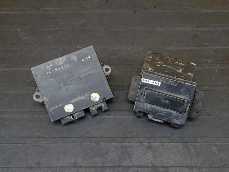 【210621】ZXR400(ZX400L-306)■ CDI イグナイター ジャンクションボックス ヒューズボックス 【ZXR400R   中古バイクパーツ通販・買取 ジャンクヤード鳥取 JunkYard