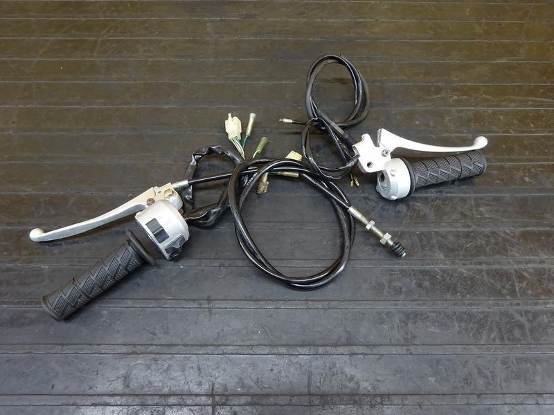 【210630】エイプ50(AC16-1017)◇ ハンドルスイッチ左右セット スイッチボックス左右 スロットル ※検:APE エイプ100 XR100 HA07 | 中古バイクパーツ通販・買取 ジャンクヤード鳥取 JunkYard
