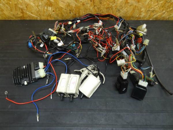 【150820】V-MAX(2WE)◇メインハーネス レギュレター 電装 難有 | 中古バイクパーツ通販・買取 ジャンクヤード鳥取 JunkYard