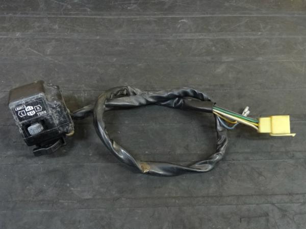 【160411】GSX750S刀-3型(GR72A)◇ハンドルスイッチ 左 ライトSW | 中古バイクパーツ通販・買取 ジャンクヤード鳥取 JunkYard