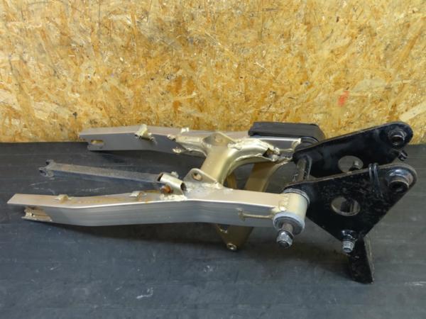 【160411】GSX750S刀-3型(GR72A)◇スイングアーム リンク | 中古バイクパーツ通販・買取 ジャンクヤード鳥取 JunkYard