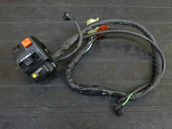 【170202】RVF400(NC35-1002)◇ハンドルスイッチ 左 ウインカースイッチ | 中古バイクパーツ通販・買取 ジャンクヤード鳥取 JunkYard