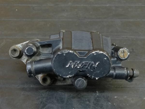 【170202】RVF400(NC35-1002)◇リアブレーキキャリパー | 中古バイクパーツ通販・買取 ジャンクヤード鳥取 JunkYard