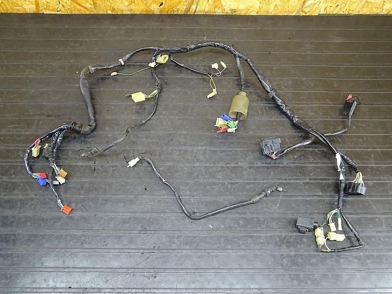 【200127】ホーネット250(MC31-1302)■ メインハーネス ヒューズボックス リレー | 中古バイクパーツ通販・買取 ジャンクヤード鳥取 JunkYard