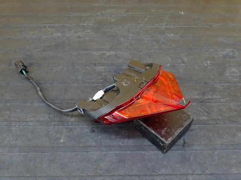 【200720】CBR250RR(MC51-1000)■ 純正LEDテールランプ | 中古バイクパーツ通販・買取 ジャンクヤード鳥取 JunkYard