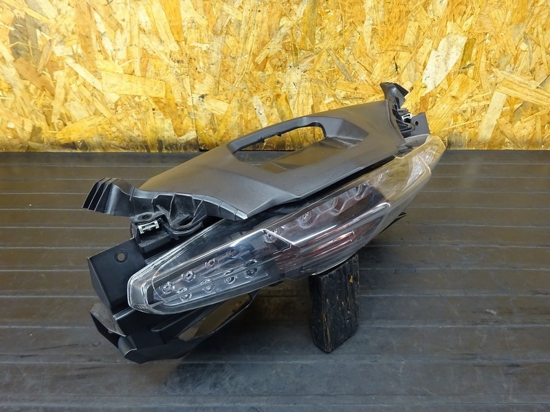 【210329】BMW C650GT '16■ テールランプ ブレーキランプ | 中古バイクパーツ通販・買取 ジャンクヤード鳥取 JunkYard